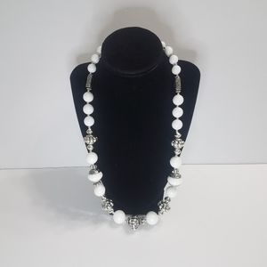 Chunky Necklace White and Silver Beads Lobster Cla